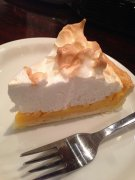 Lemon and meringue tart